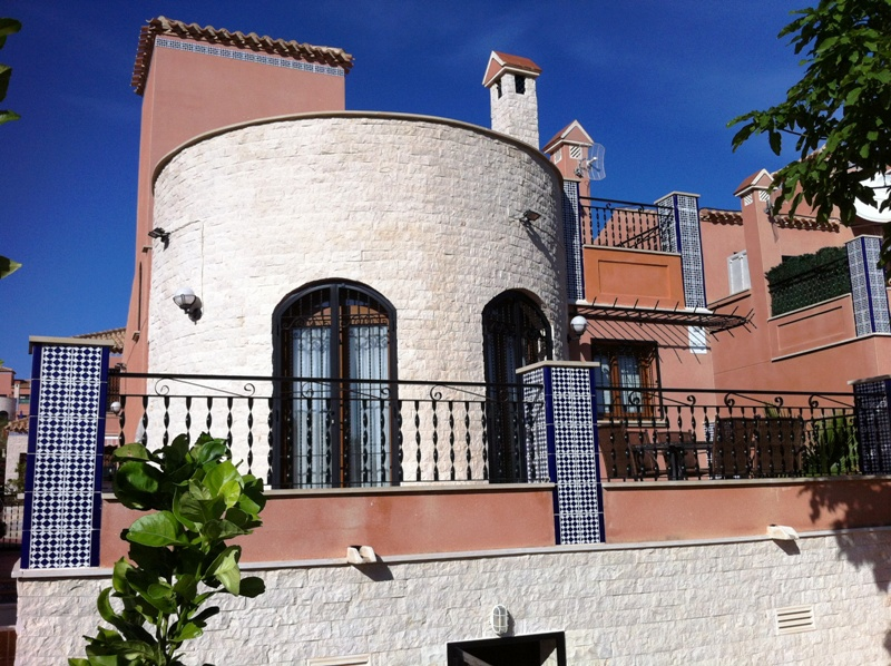 Detached Villa for sale in San Miguel, La Cañada with spectacular sea and lake views.