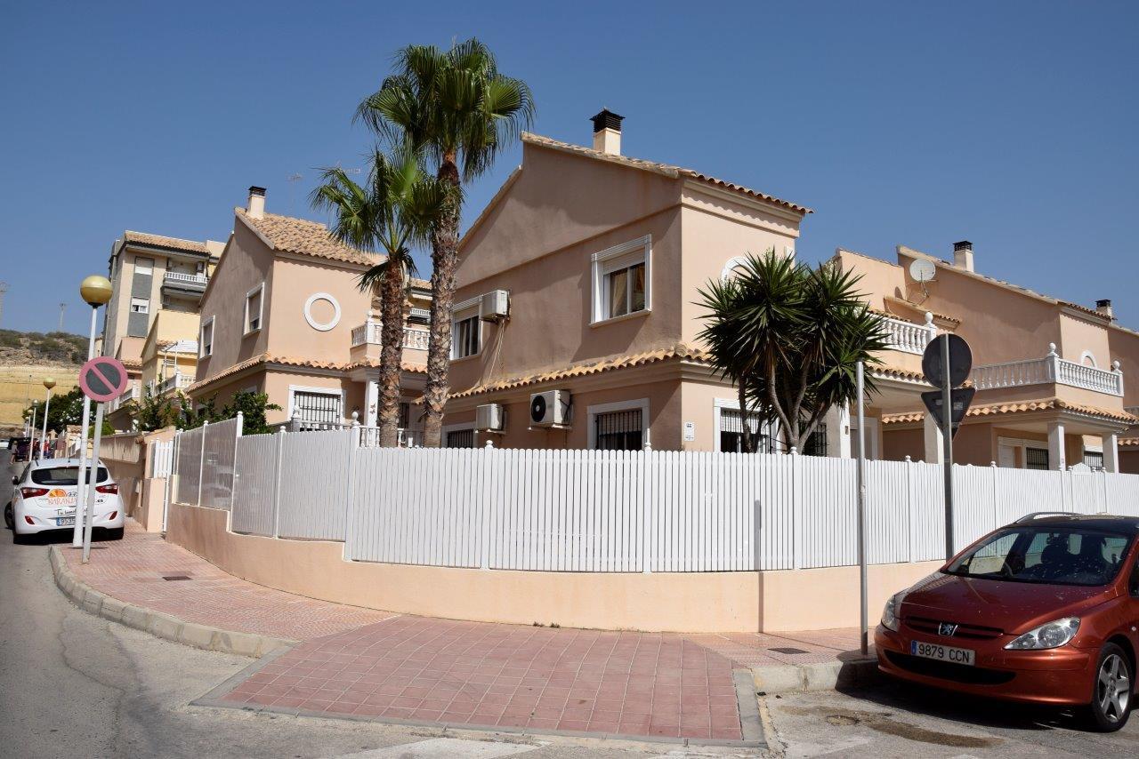 Detached Villa for sale in Playa Moncayo, Guardamar del Segura.