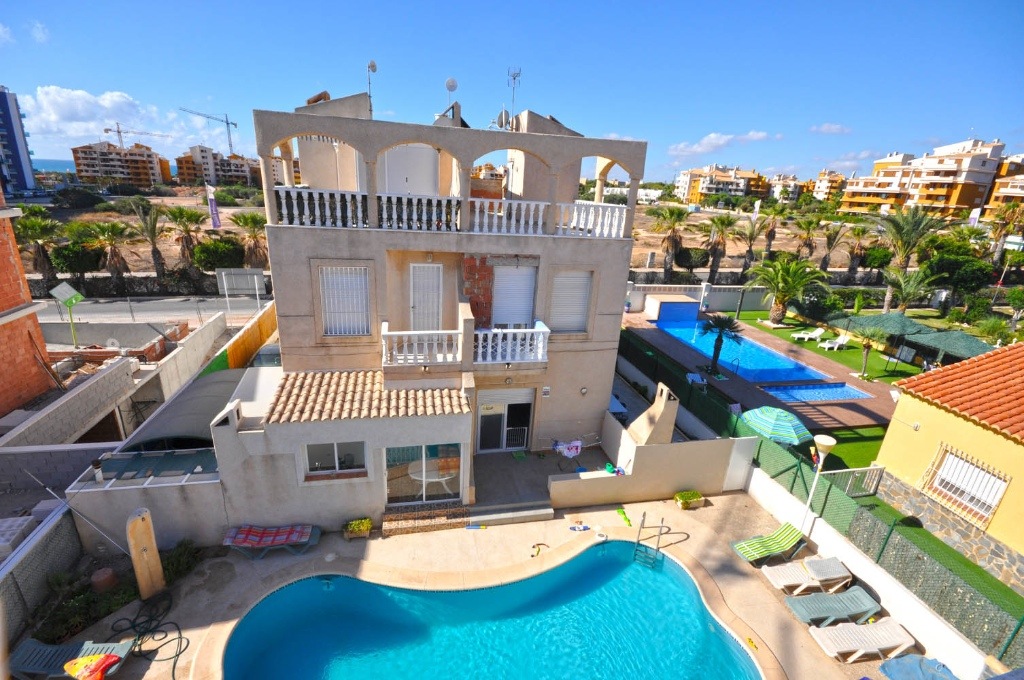 Semi Detached House for sale in Punta Prima, Torrevieja