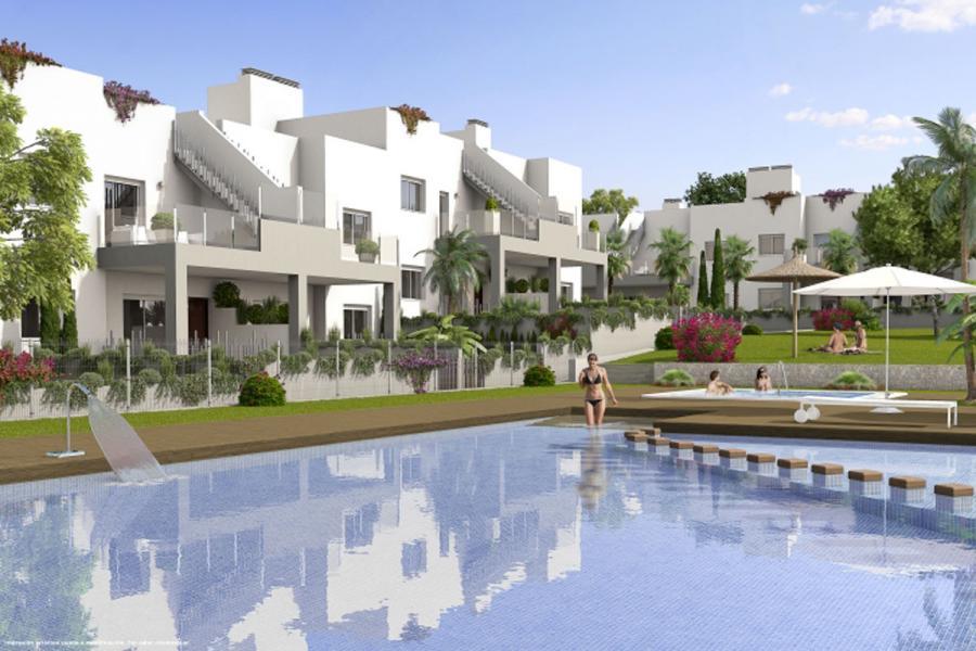 Новые бунгало на продажу в Aguas Nuevas, Torrevieja, Alicante.