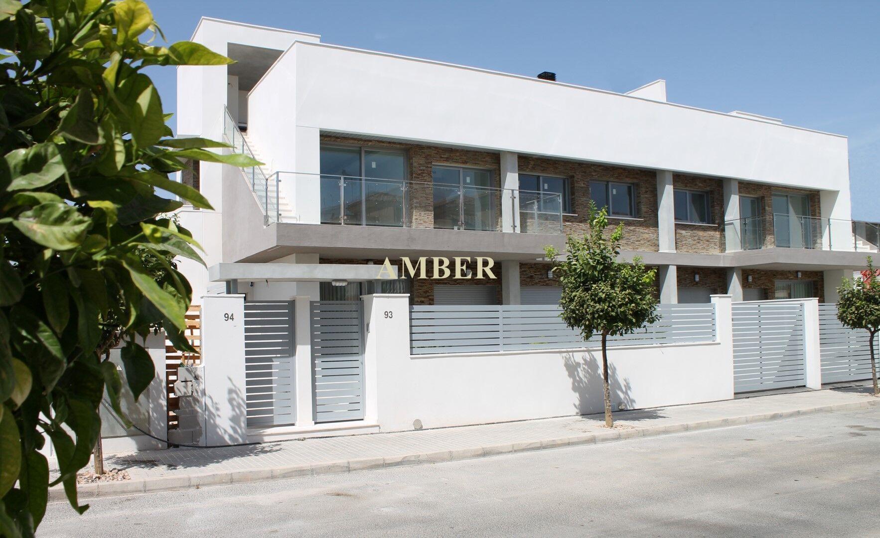 Новые апартаменты с 2 или 3 спальнями и 2 ванными комнатами на продажу в Torrevieja.