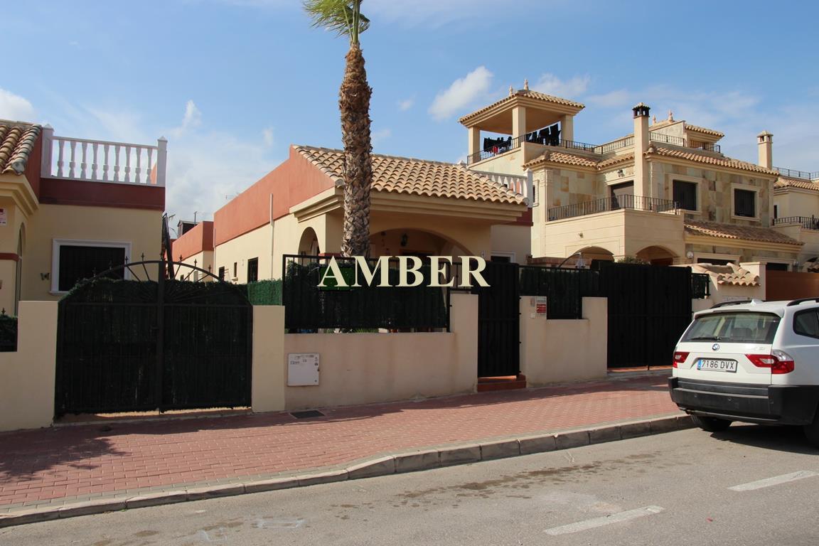 Продается отдельностоящий дом в Arcos mediterraneo, Torrevieja.