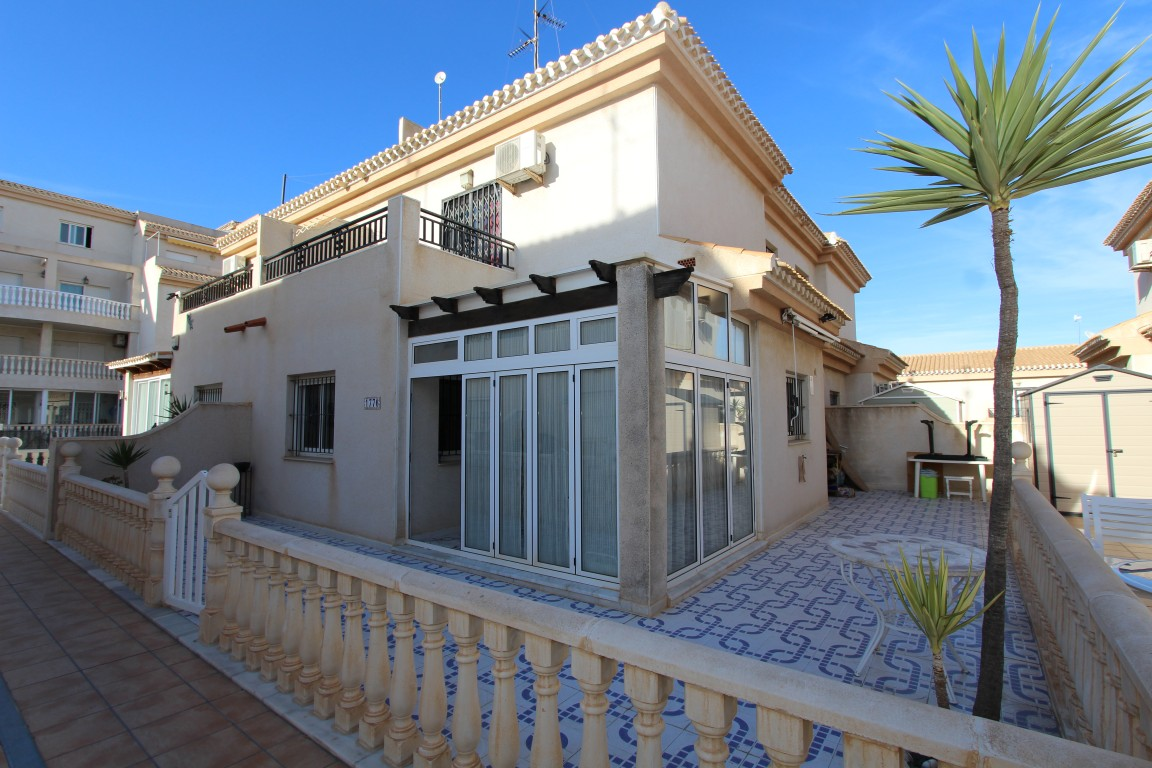 Semidetached house on sale in Playa Flamenca Orihuela Costa, Alicante
