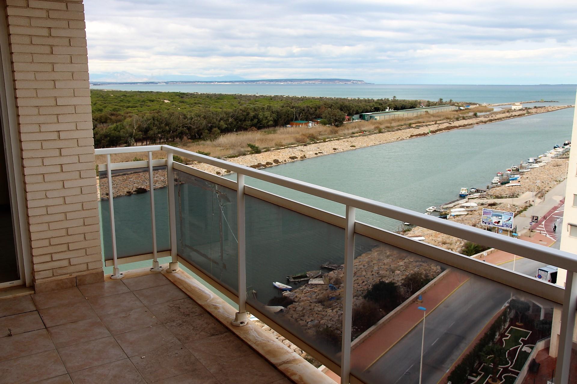 Пентхаус недалеко от порта Гвардамар дель Сегура, Alicante,Spain