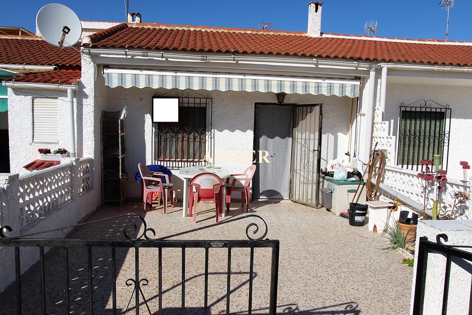 Bungalow for sale in Torreta II, Torrevieja, Alicante