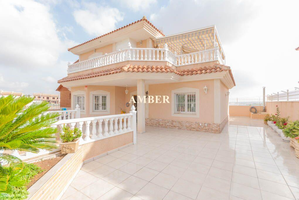 Detached Villa for sale in Los Altos, Torrevieja