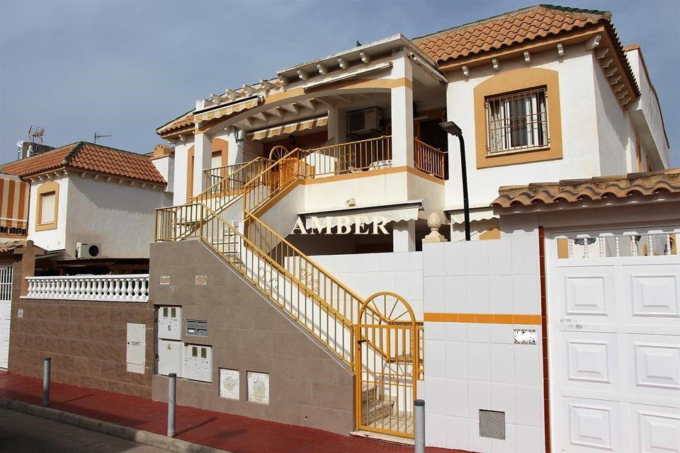 Top Floor Bungalow for sale in Parque las Naciones, Torrevieja