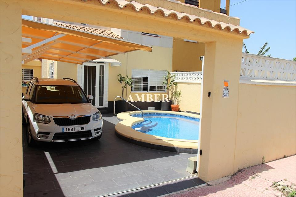 Attached House for sale in Lago Sol, Torrevieja