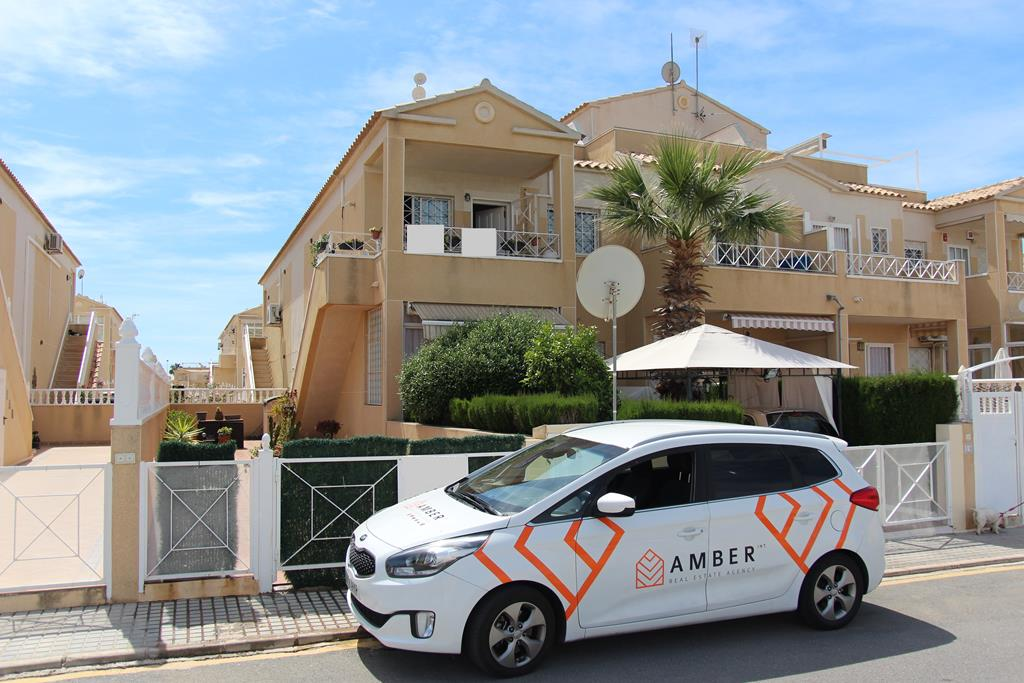 Top floor bungalow in Baños de Europa, Torrevieja