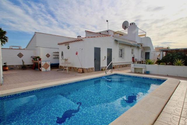 Villa in Torreta Florida, Torrevieja, Alicante