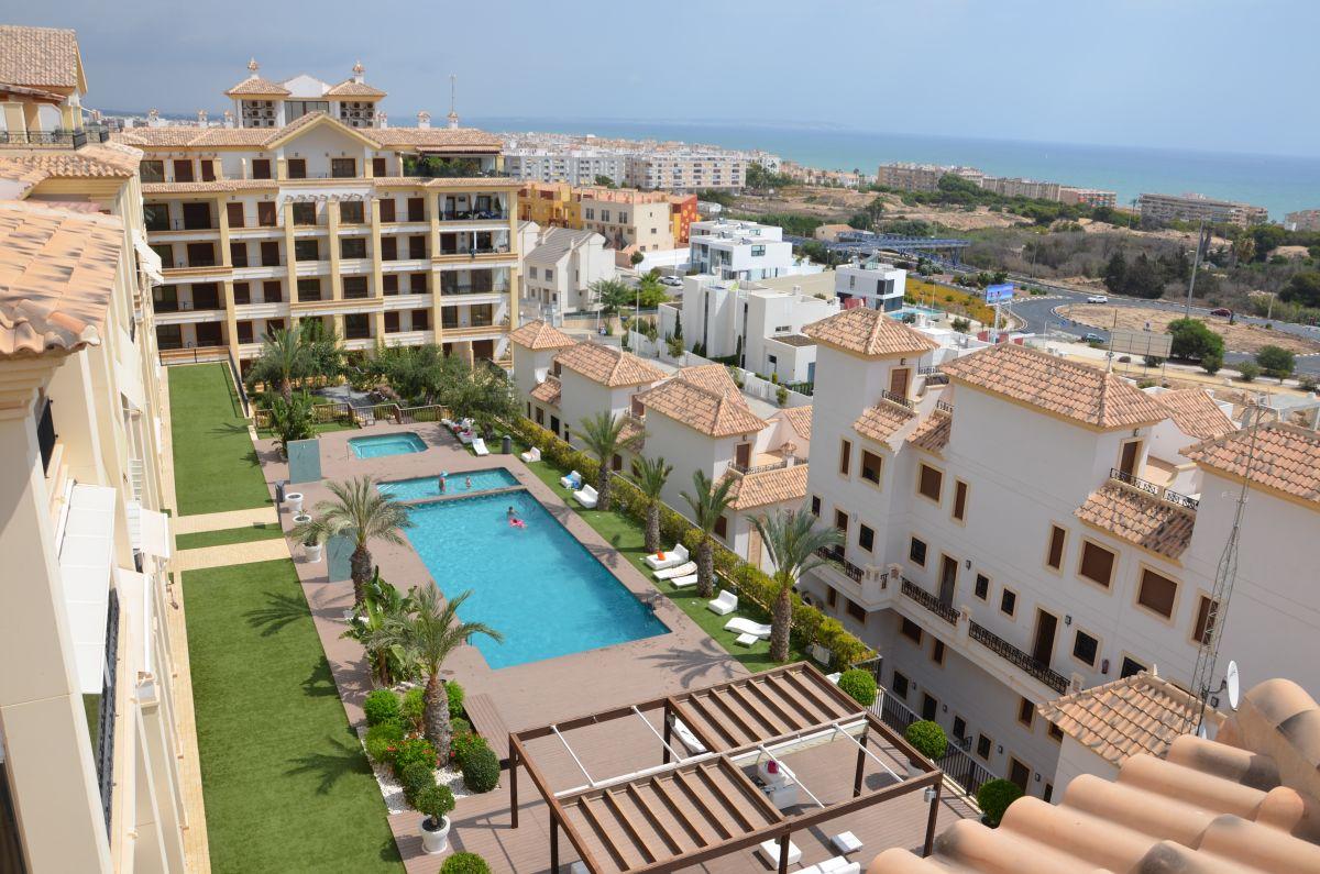 Пентхаус с открытым видом на море для продажи в Guardamar del Segura.