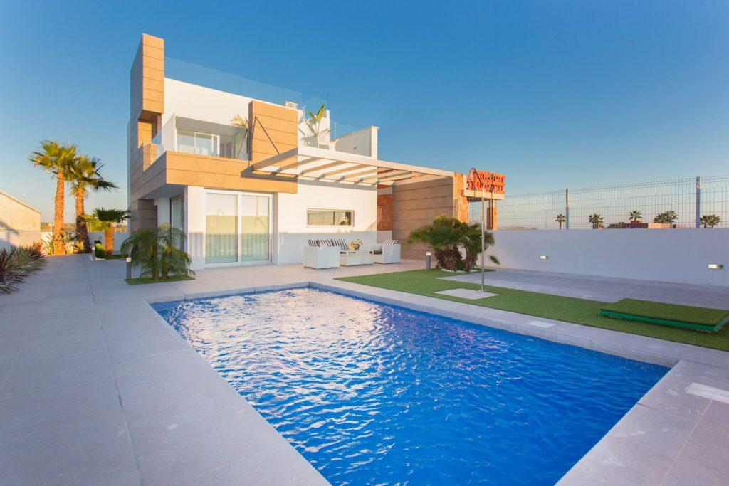 New Villas for sale in El Raso