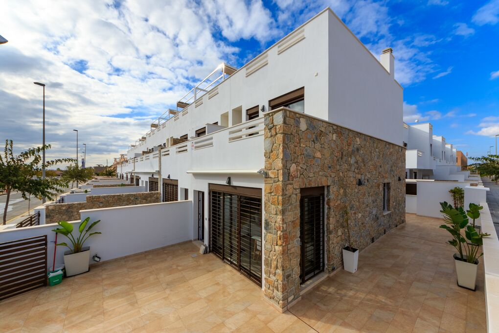 NEW houses on sale in Torrevieja
