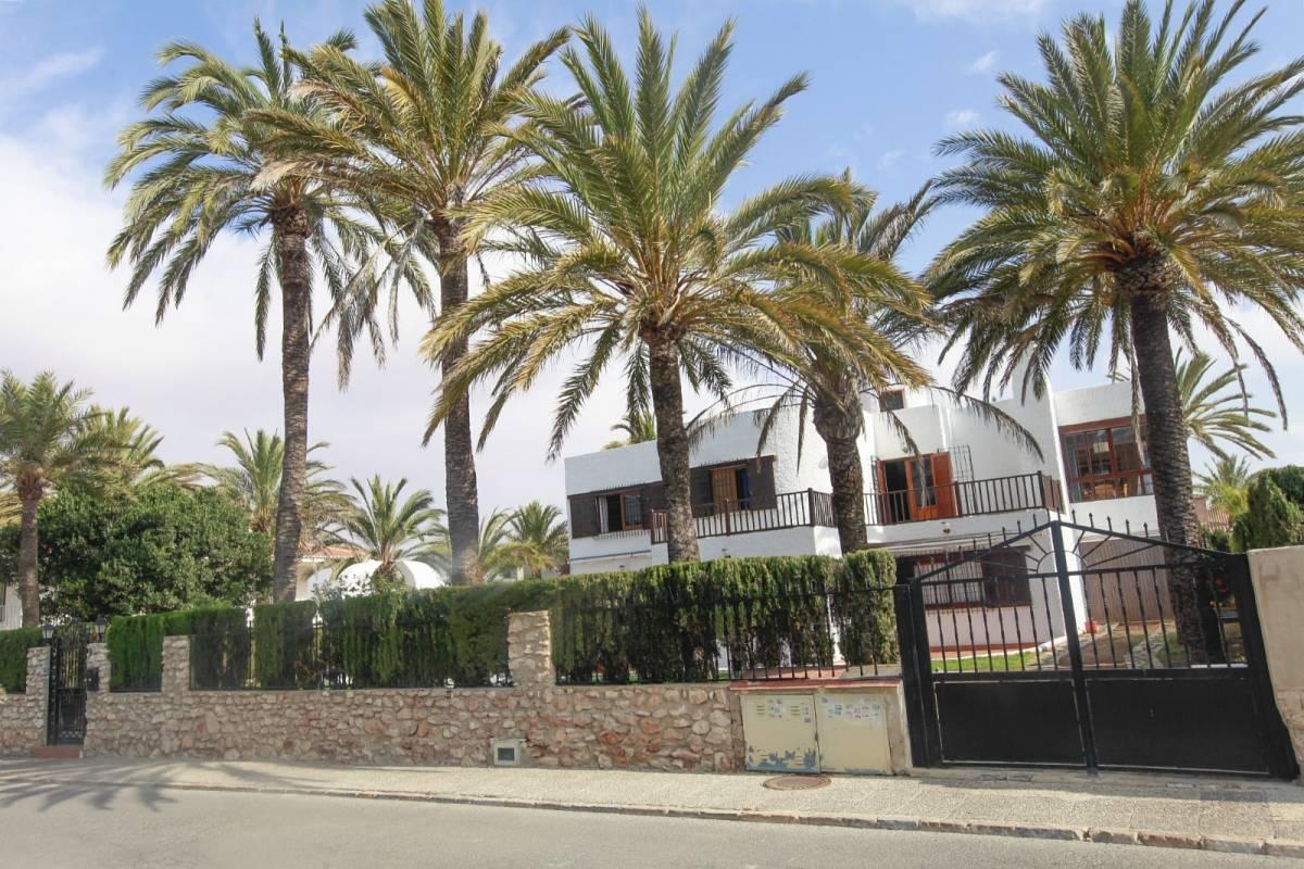 Detached Villa for sale in La Veleta, Torrevieja
