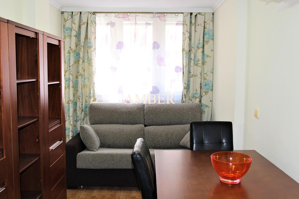 Refurbished first floor apartment in Torrevieja.