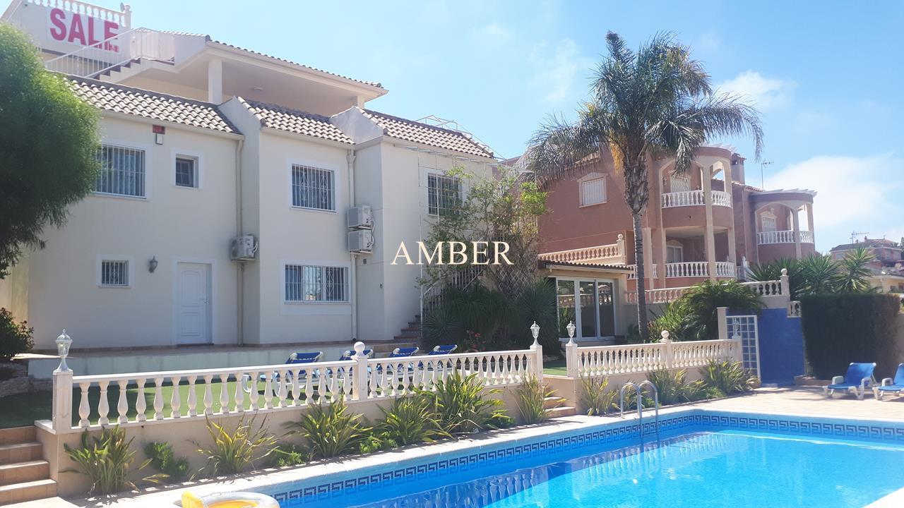 Detached Villa with sea view in Los Balcones, Torrevieja
