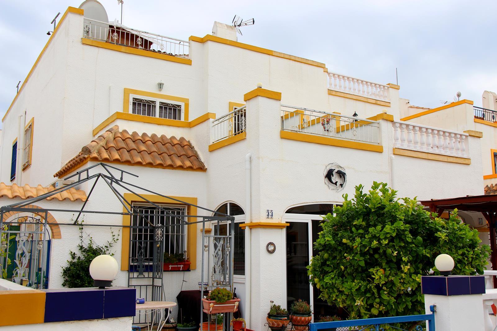 Cuadro house in Jardin del Mar, Torrevieja