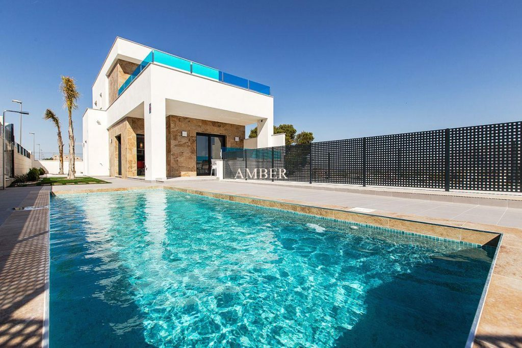 Independent villas with private pool