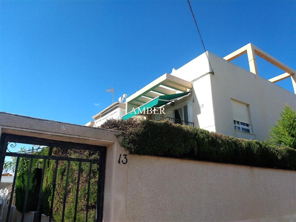 Бунгало на верхнем этаже рядом с пляжем в Лос Локос, Торревьеха, Аликанте